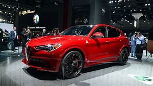 Stelvio Alfa Romeo : alfa romeo stelvio rendered in cheaper trim ~ Gottalentnigeria.com Avis de Voitures
