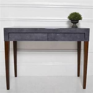 Petit meuble deco la console galuchat en grey meuble et for Meuble ligne roset catalogue 11 petit meuble deco la console galuchat en grey meuble et