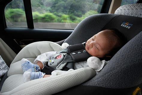 securite routiere siege auto la négligence autour des sièges auto de nos enfants