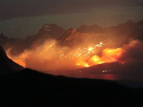 national fireplace dramatic escapes from western wildfires abc news