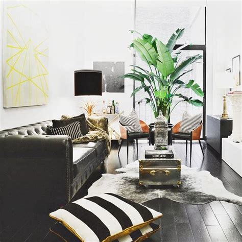 Cowhide Rug Decor by 8 Designer Tips To Decorate A Comfortable And Chic Living