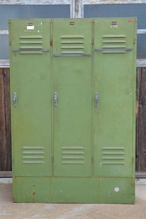 armadietti in ferro armadietto spogliatoio anni 70 in ferro verde cheantico