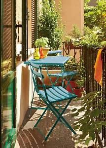 Table De Balcon : d co balcon un am nagement color et chic pour l 39 t ~ Teatrodelosmanantiales.com Idées de Décoration