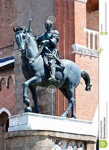Equestrian Statue Gattamelata Donatello, Padua, Italy ...