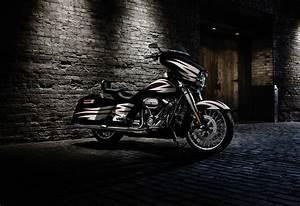 2017 Harley-Davidson Street Glide Review