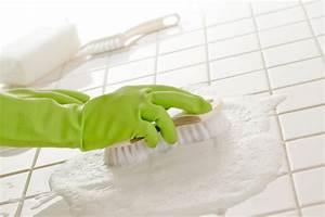 Nettoyage Carrelage Vinaigre : nettoyage d 39 un carrelage toutes les m thodes en d tail ~ Premium-room.com Idées de Décoration