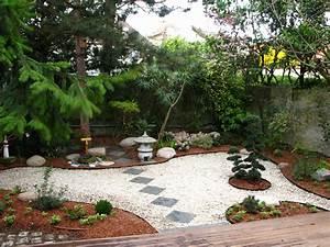 Comment Faire Un Jardin Zen Pas Cher : idee decoration jardin japonais ~ Carolinahurricanesstore.com Idées de Décoration