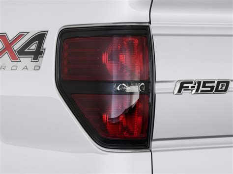 2014 f150 tail lights 2014 ford f 150 4wd supercrew 145 quot fx4 tail light