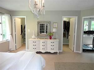 Walk in closet designs for a master bedroom - A Unique
