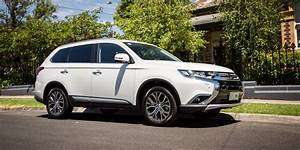 2017 Mitsubishi Outlander Exceed petrol review - photos CarAdvice