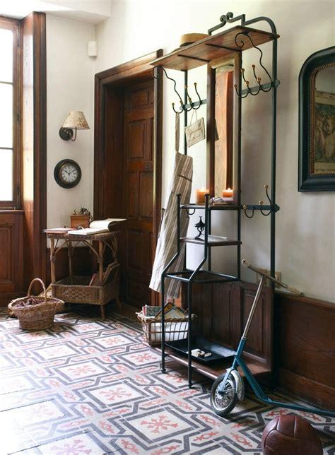 meuble cuisine a comptoir de famille un exemple de meuble photo 2 20 un meuble d 39 entrée pour le vestiaire
