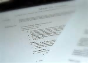 Ask The Headhunter Resume by Here S Why Your Resume Isn T Getting Traction Pbs Newshour