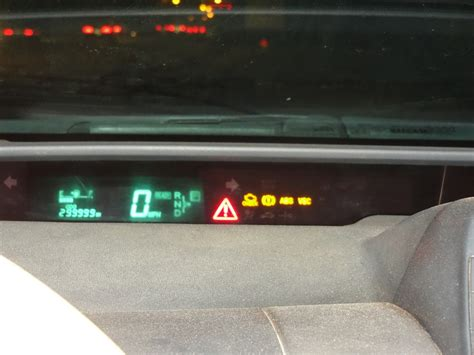 prius warning lights exclamation point toyota camry 2006 battery light on how to reset battery
