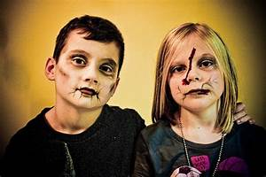 Maquillage Halloween Garcon : maquillage zombie facile garcon ~ Melissatoandfro.com Idées de Décoration