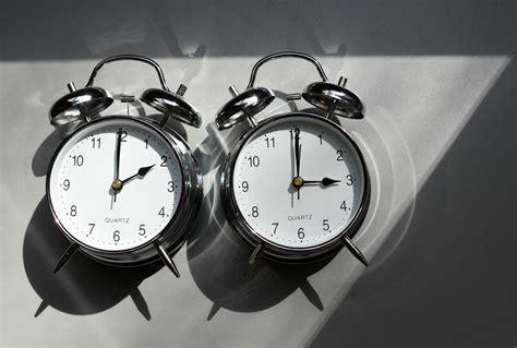 C'est dans la nuit du 13 au 14 mars prochain que le québec passera à l'heure. Les eurodéputés entendent abolir le changement d'heure à l'horizon 2021 - rts.ch - Monde