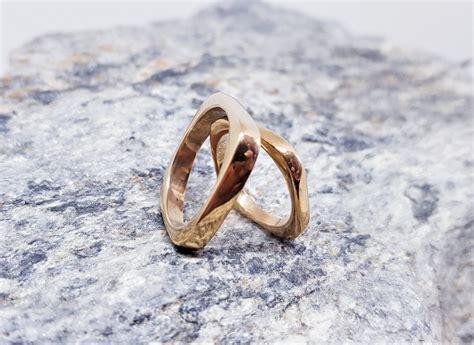 Laulību gredzeni pašpārliecinātam pārim - Laulību gredzeni ...