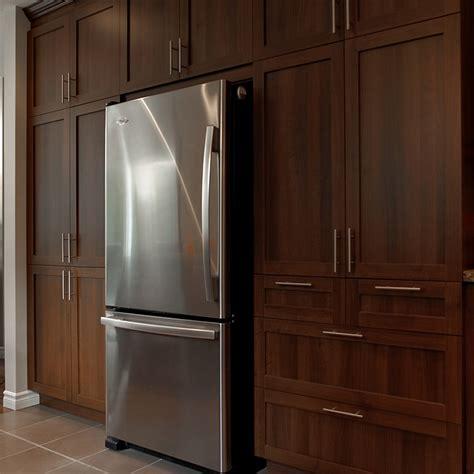 cuisine en m駘amine cuisines beauregard cuisine réalisation 231 élégante cuisine transitionnelle en