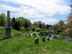 File:Green-Wood Cemetery, Brooklyn jpg - Wikimedia Commons