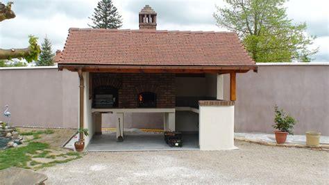 construction cuisine d été extérieure intégration d 39 une porte de four à pizza et à coeur de