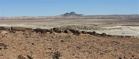 Deserti caldi e freddi: i 15 più affascinanti del mondo