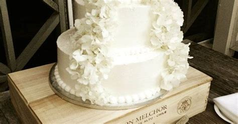Publix Wedding Cake With A Addition Of Real Hydrangeas