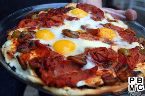 cuisine au barbecue recette pizza royale au barbecue 750g