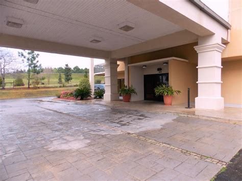 Home Town Inn & Suites Crestview FL Hotel