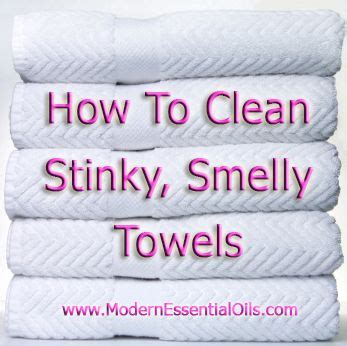 smelly towels baking soda and vinegar on