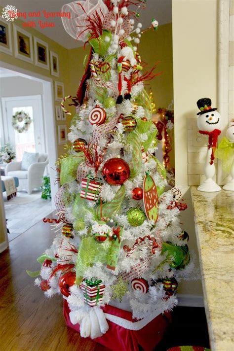 23 Whimsical Christmas Decorating Ideas  Feed Inspiration