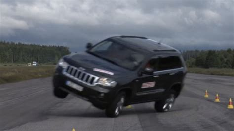 Can The 2014 Jeep Grand Cherokee Pass The Infamous Moose Test?