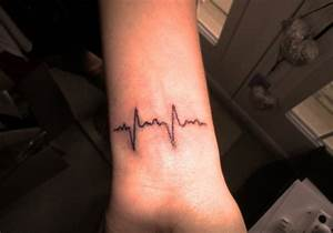 30 Simple Tattoos Which Look Awesome | CreativeFan