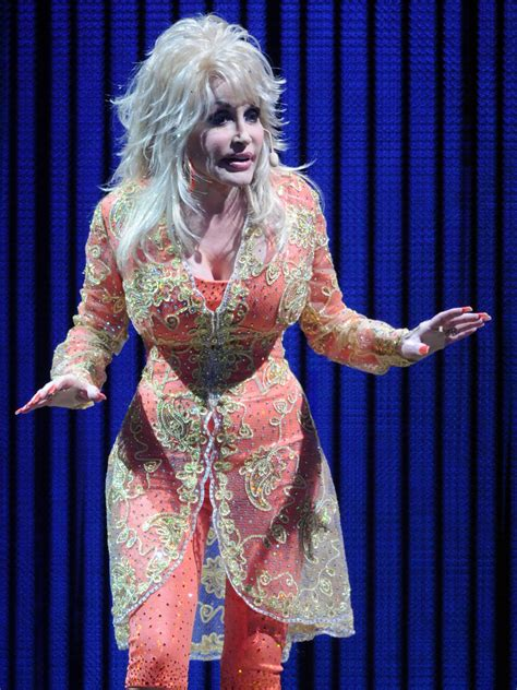 """Dolly Parton In Dolly Parton """"better Day"""" World Tour"""