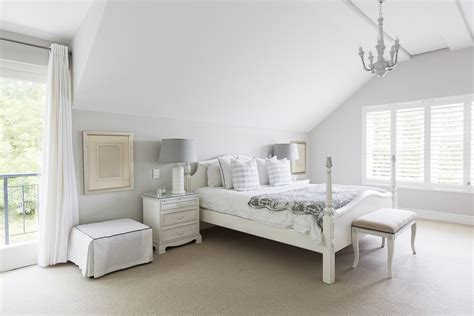 White Bedroom Furniture Decorating Ideas by White Bedroom Decorating Ideas