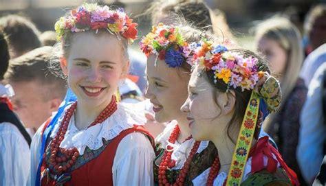 Latgales kongresa simtgade: 6. maijs - Tautu forums, Baltā ...