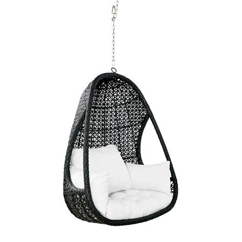 deco chambre mer fauteuil suspendu de jardin en résine tressée et