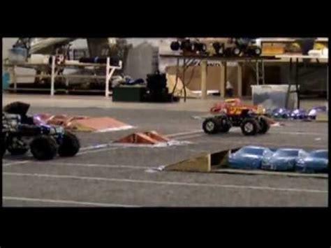 youtube monster trucks racing monster jam style rc clodbuster monster truck racing 2