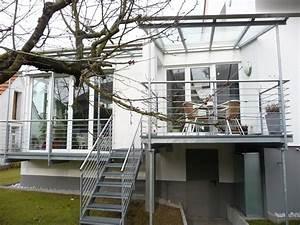 balkon terrasse mit treppe in den garten bauemotionde With französischer balkon mit treppe für garten