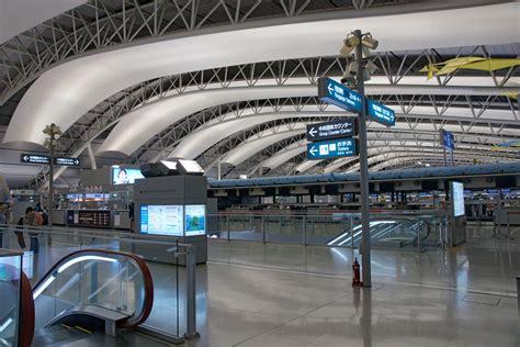 Kansai International Airport Sinking by Upload Wikimedia Org Wikipedia Commons 3 37 Kansai