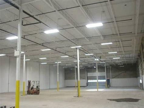 illuminazione capannoni industriali illuminazione industriale illuminazione