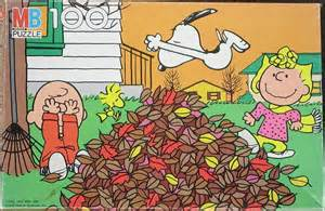Snoopy Autumn Fall Leaves