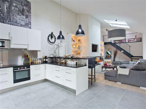 cuisine dans salon cuisine ouverte tous les avantages le déco