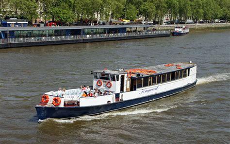 River Boat Services by River Boat Hire Ellestir Comellestir