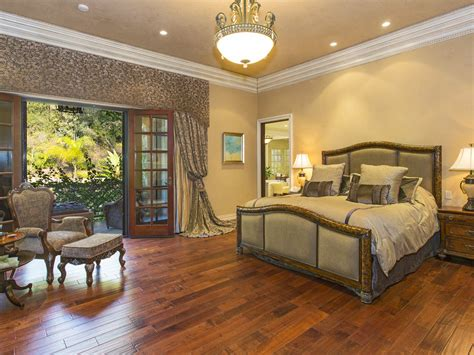 sofia vergara home sofia vergara dropped 10 6 million on a villa in the