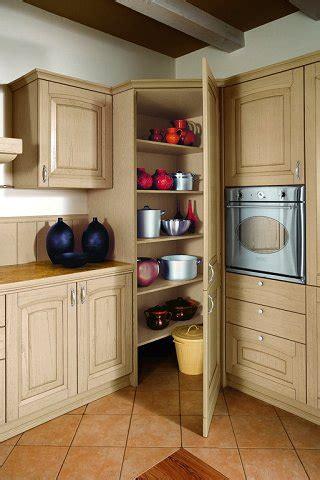 cucina con dispensa angolare cucine classiche mobili rustic