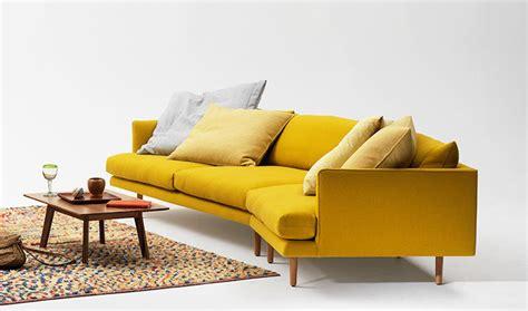canapé convertible jaune fauteuil jaune la couleur intemporelle et tendance