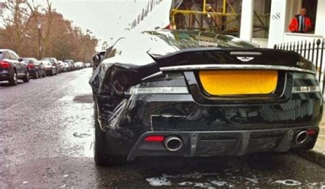 Aston Martin Dbs Cost by Destrozan Un Aston Martin Dbs Aparcado En Londres
