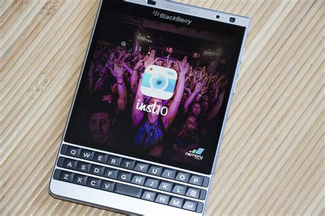inst10 for blackberry inst10 for instagram updated just in time for your holiday photo taking crackberry com