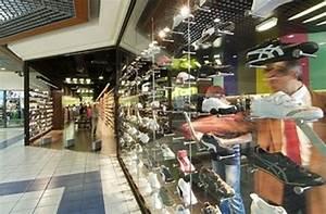 Magasin Informatique Plan De Campagne : magasin de chaussures hylton plan de campagne par padovani ~ Dailycaller-alerts.com Idées de Décoration
