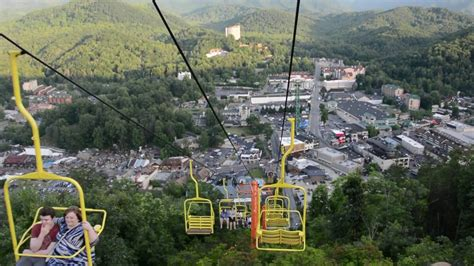 Top Things to Do in Gatlinburg, Tennessee - YouTube