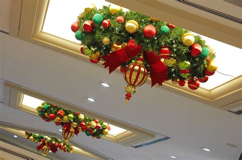 commercial size outdoor christmas decorations